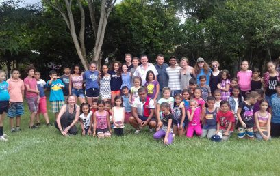 Volunteering at  Sinai high school and La Ceniza school